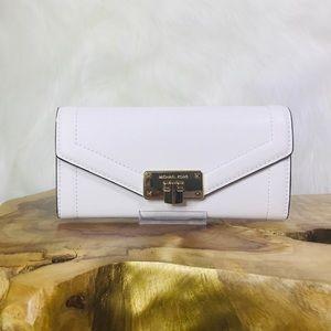 Michael Kors Kinsley Carryall Wallet